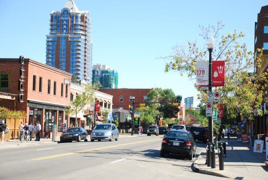 17th Avenue Retail & Entertainment District