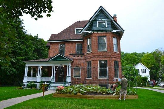 Billy Bishop Home & Museum