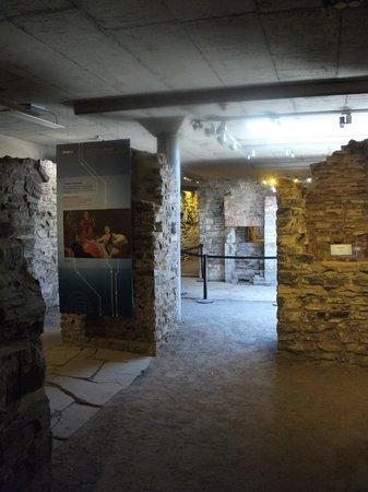 Lieu Historique National des Forts-et-Chateaux-Saint-Louis